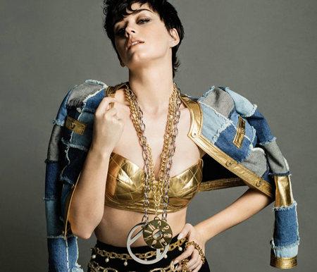 Moschino莫斯奇诺 意大利米兰潮流设计服饰品牌