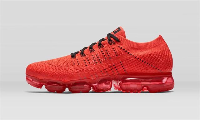 "CLOT x NikeLab Air Vapormax 正式于 Nike 香港官网补货,这""一抹红""又来了!"