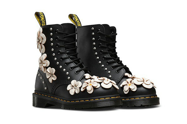 Dr.Martens马丁靴2018春季新作,用花朵俘获你的心~