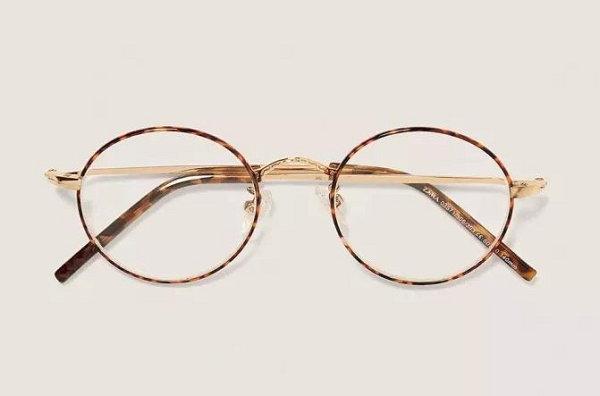 方脸搭配椭圆形眼镜.jpg