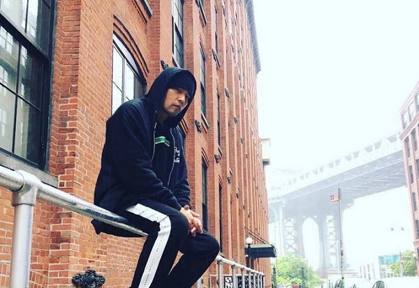 周杰伦PHANTACi x New Balance 2018联名鞋款再曝上脚照,明日正式发售!