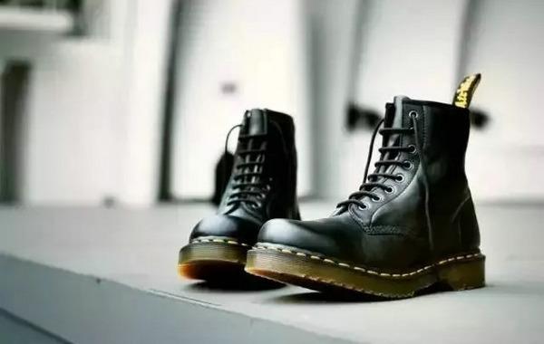 马丁靴搭配的小秘诀,潮男潮女快来GET~