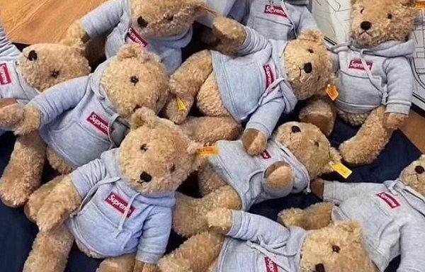 Supreme x Steiff Bears 2018 联名泰迪熊玩偶实物图出炉~