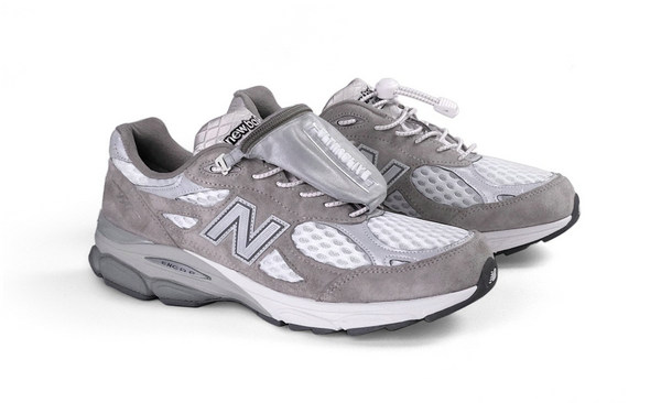 ULTRAOLIVE x New Balance 全新联名「ULTRA990」鞋款抢先预览~