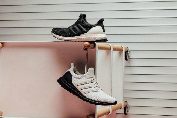 刚柔并济!adidas UltraBOOST 2019 情人节别注鞋款系列来袭