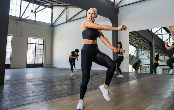 adidas 推出 Primeknit 面料女性运动内衣,数年研发成果!