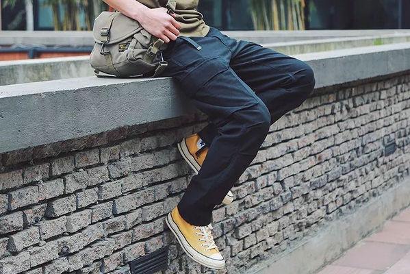 工装裤配什么鞋子更潮流帅气?几个鞋款推荐给你!