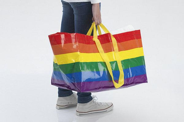 IKEA 标志性购物袋变身彩色,支持同志骄傲月
