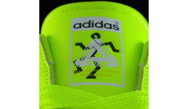 Palace x adidas Originals 最新联名鞋款预告释出,萤光绿色加持