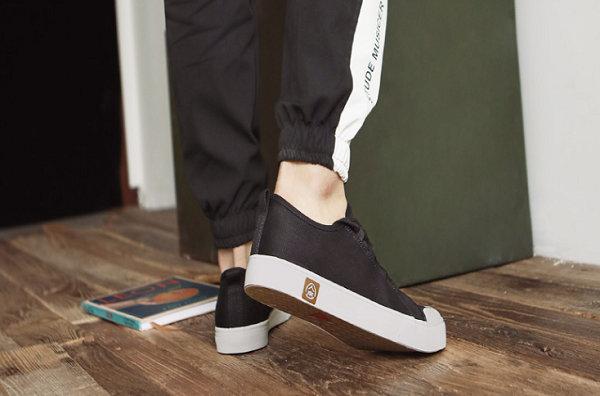 人本帆布鞋-1.jpg