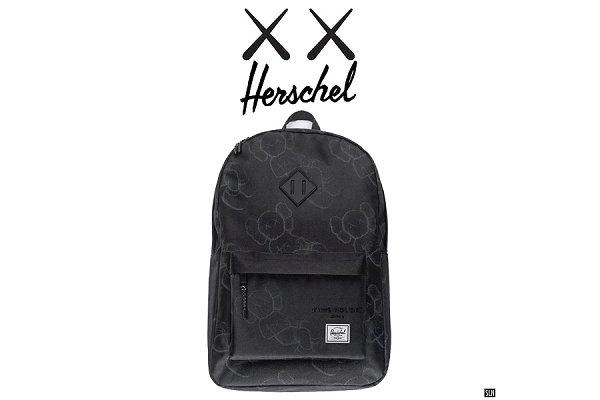 KAWS x Herschel Supply 2019 联名双肩包实物曝光
