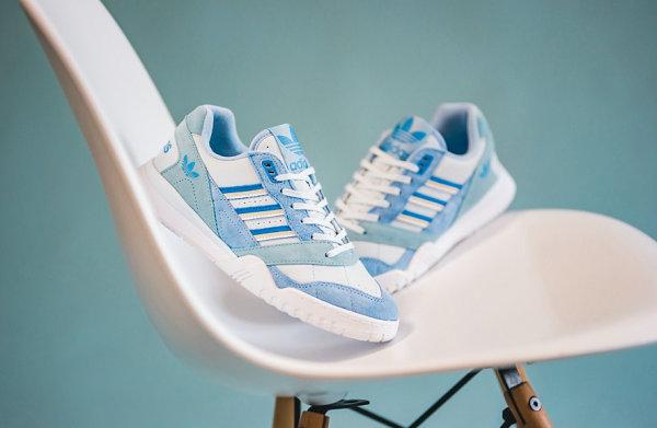 阿迪达斯三叶草 A.R. Trainer 鞋款女生专属粉&蓝配色上市