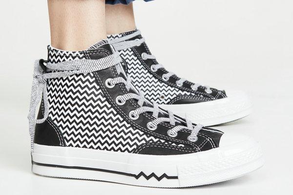 匡威全新 Mission V 女生系列鞋服发售在即,多材质打造