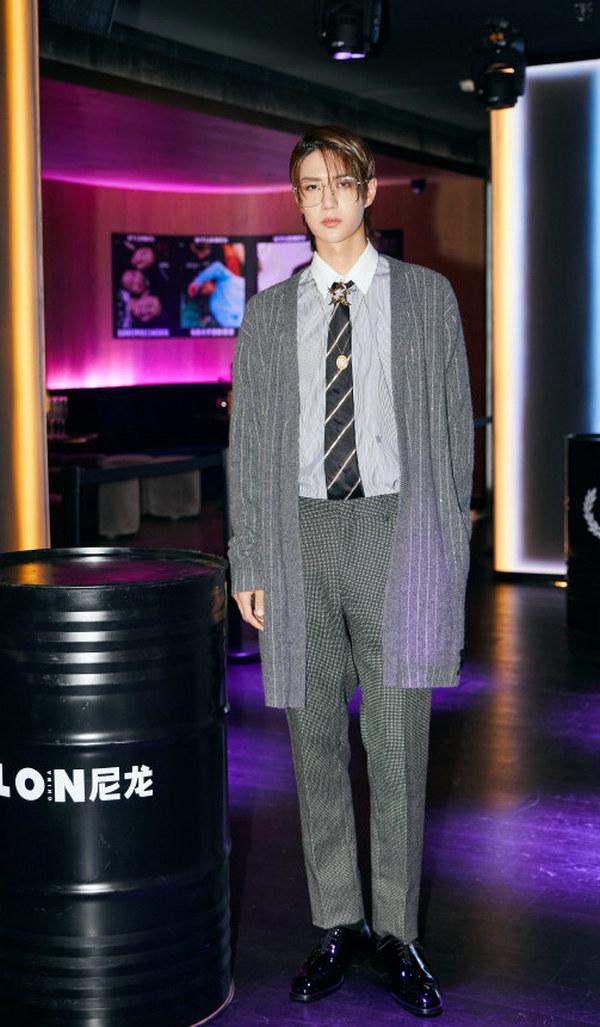 王一博身着 FENDI 上衣现身NYLON_CHINA 两周年庆典活动