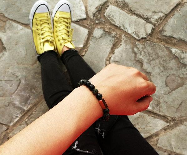 穿球鞋搭配串珠手链