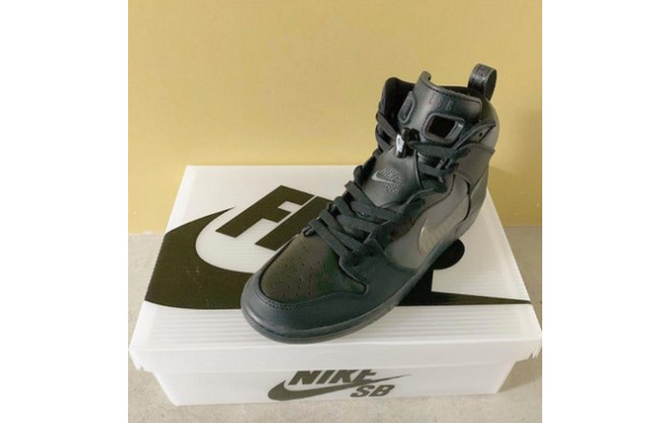 Forty Percent Against Rights x Nike SB Dunk High 联名鞋款释出.jpg