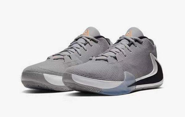 Nike 字母哥 Zoom Freak 1 全新白灰配色战靴即将发售~