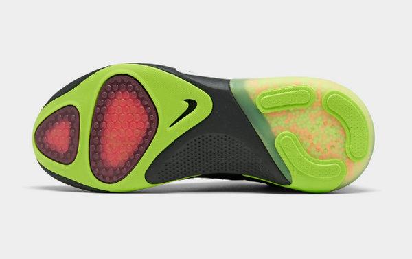 Nike Joyride Run 全新黑绿配色跑鞋.jpg