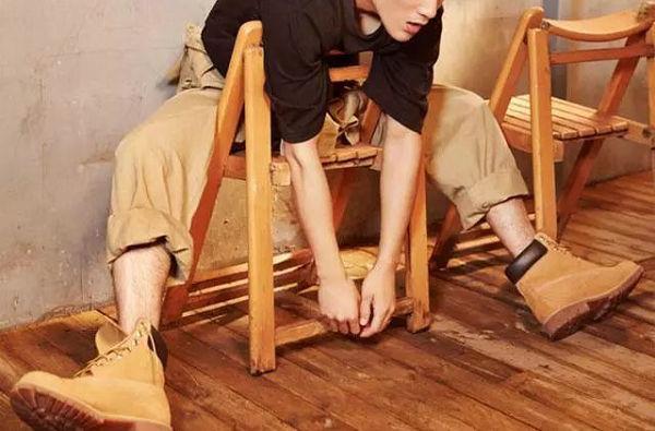 大黄靴搭配工装裤-1.jpg