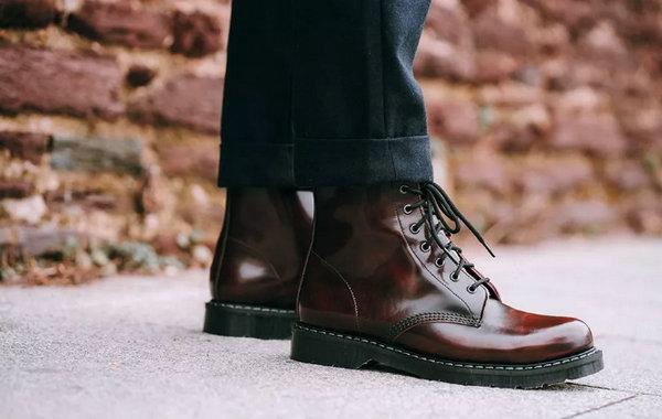 马丁靴买大还是买小——1460马丁靴.jpg