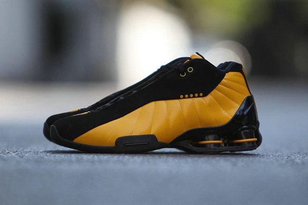 Nike Shox BB4 鞋款全新黑黄配色释出,质感更加华丽