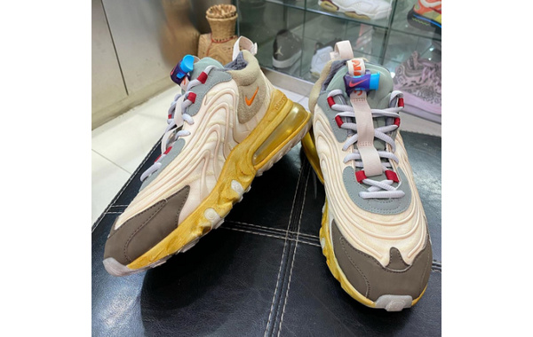 Travis Scott x Nike Air Max 270 React 联乘鞋款实物谍照曝光