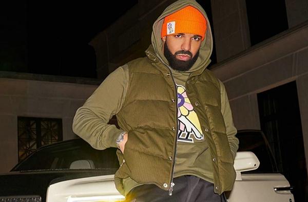 村上隆 x OVO 联乘系列正式公布,Drake 公鸭亲身示范