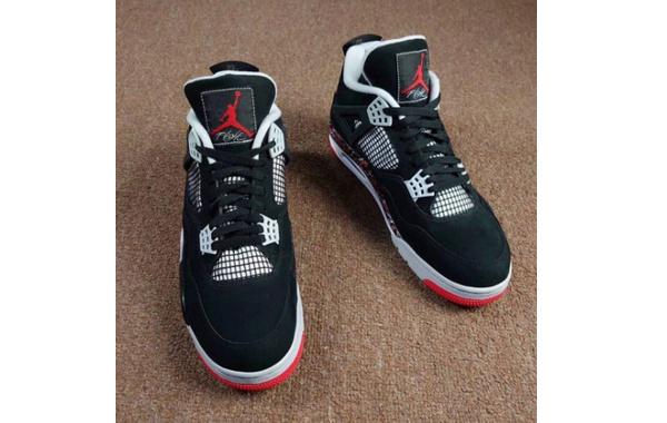 "OVO x Air Jordan 4 联乘 ""Splatter"" 配色鞋款明年初迎来发售~"