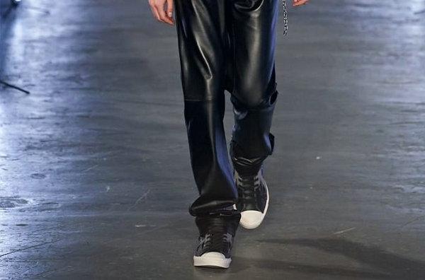 匡威 x Feng Chen Wang 2020 联名开口笑鞋款系列亮相伦敦时装周
