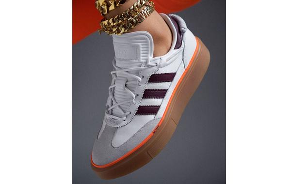 碧昂丝 x adidas Ivy Park 联乘鞋款.jpg