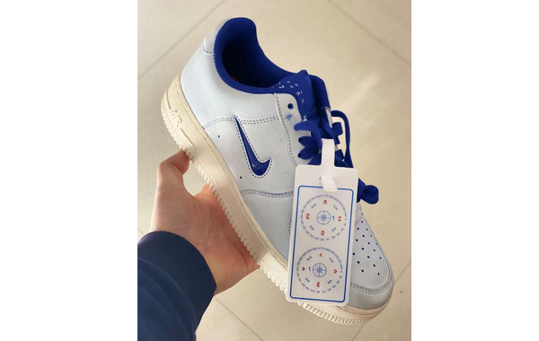 Nike Air Force 1 Low Jewel 全新白蓝配色鞋款曝光,鞋舌有亮点