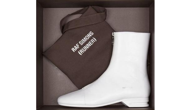 拉夫·西蒙(RUNNER)首个鞋履系列提前预览,时装秀揭晓