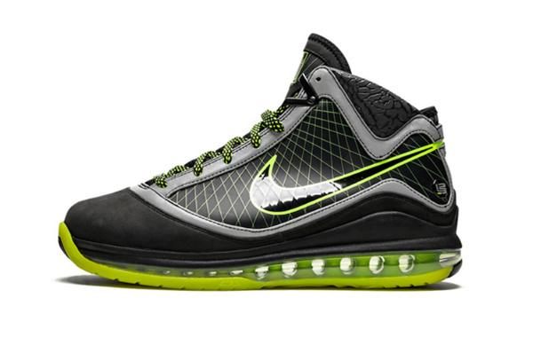 "DJ Clark Kent x Nike LeBron 7 联乘""112""鞋款释出,亲友限定版"