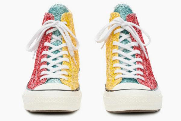 匡威 x JW ANDERSON 全新联名「Glitter Chuck Taylor」系列鞋款释出