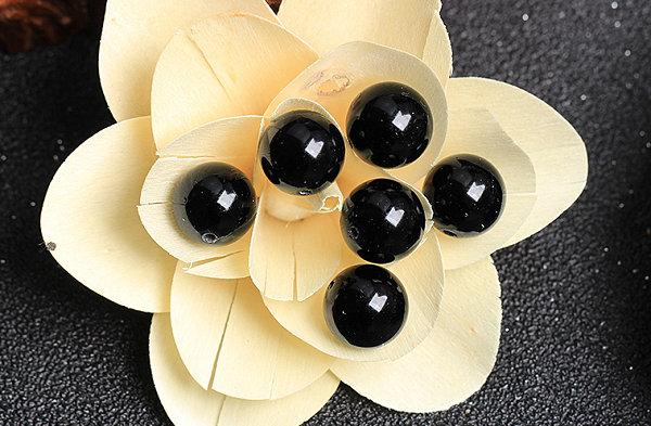 黑色珠子手链是什么珠?这些黑色珠子是最热门之选!