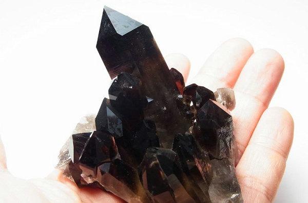 黑水晶原石.jpg