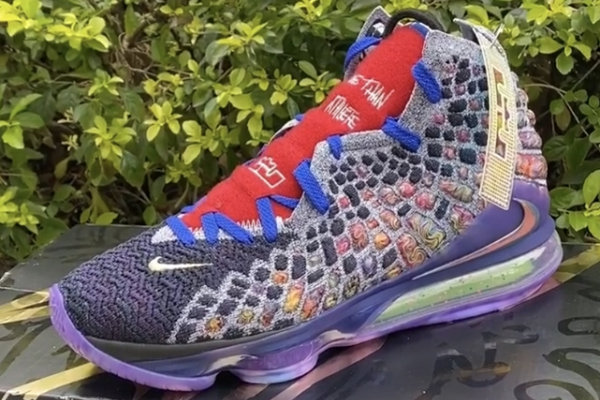 "Nike LeBron 17""What The""鞋款释出.jpg"