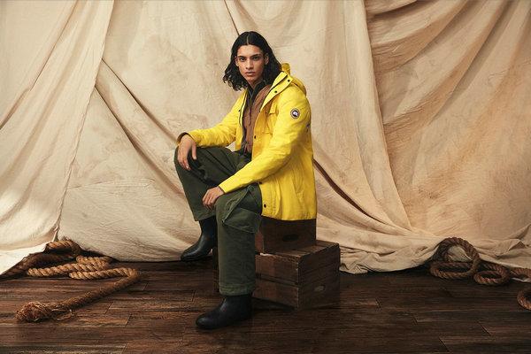 加拿大鹅全新 2020 春季舷外黄配色雨衣系列上架发售~