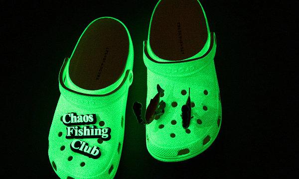 Crocs x Chaos Fishing Club 联名夜光鞋发布,玩味十足~