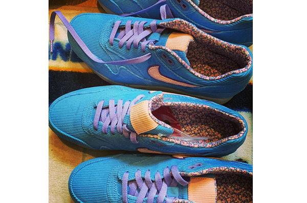 耐克 Air Max 1 蓝色灯芯绒鞋款曝光,陈冠希亲晒