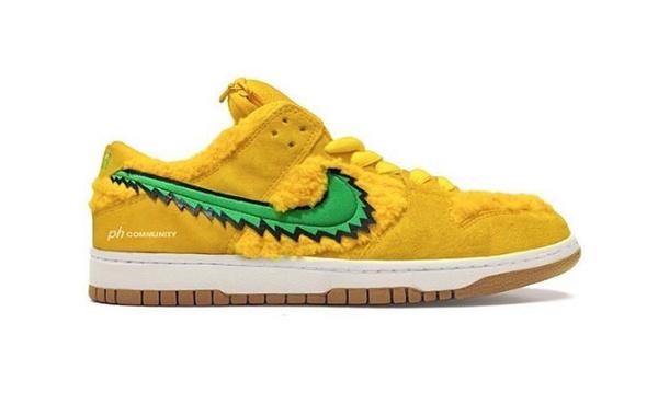"Nike Dunk SB 联乘""小熊""鞋款曝光 4 双新配色,鞋舌口袋"