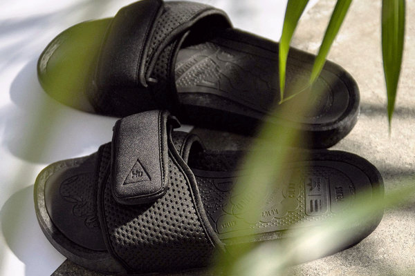 菲董联名 adidas PW Boost Slide 拖鞋系列即将上架