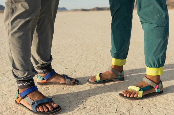 Teva x Cotopaxi 全新联名鞋款系列上架,活力霓虹配色