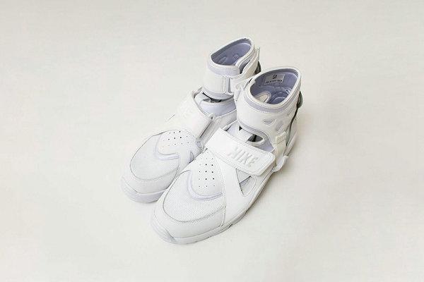 耐克 x CDG 全新联名 Air Carnivore 鞋款系列预计明年 4 月亮相