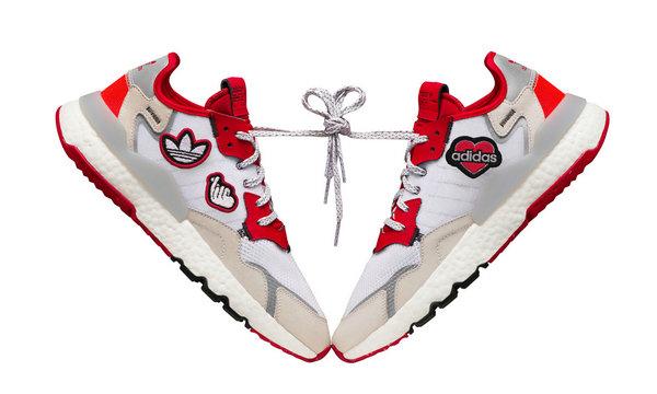 阿迪达斯三叶草七夕特别系列鞋款正式公布,街头浪漫