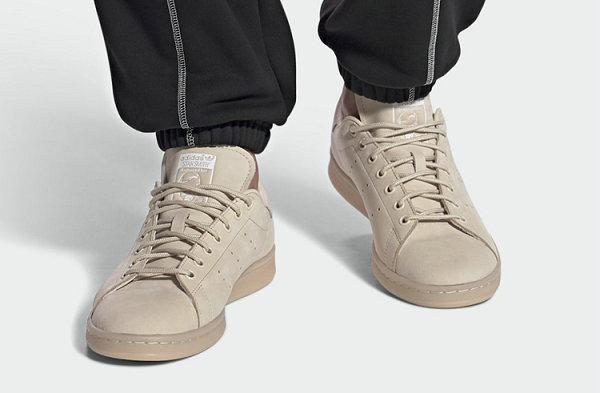 亚麻 Stan Smith 鞋款海外开售,整体质感高级