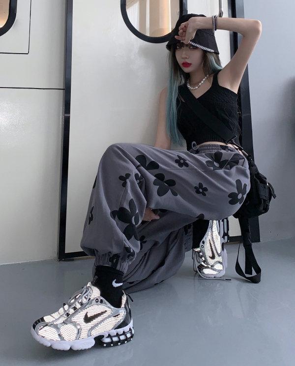 6.YYOUNG小二潮社-1.jpg