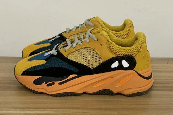 """「太阳」 Yeezy 700""""Sun""""配色鞋款清晰实物照曝光"""