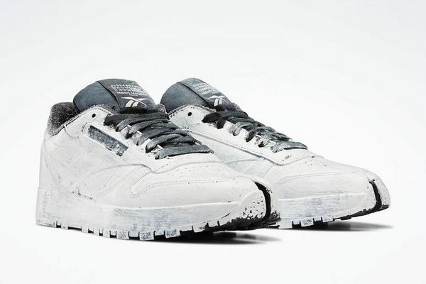 锐步 x Maison Margiela 联名 Classic Leather 分趾鞋月底登陆