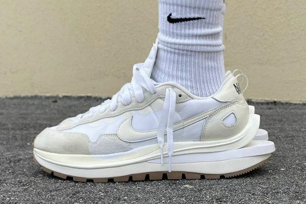 米白 Sacai x Nike VaporWaffle 联乘鞋款上脚美图赏析